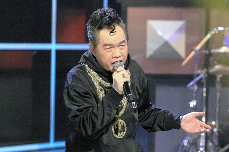 康康參加《台灣金頌》錄影,更透露當年贏得歌唱比賽冠軍的祕訣,就是「出奇制勝」。