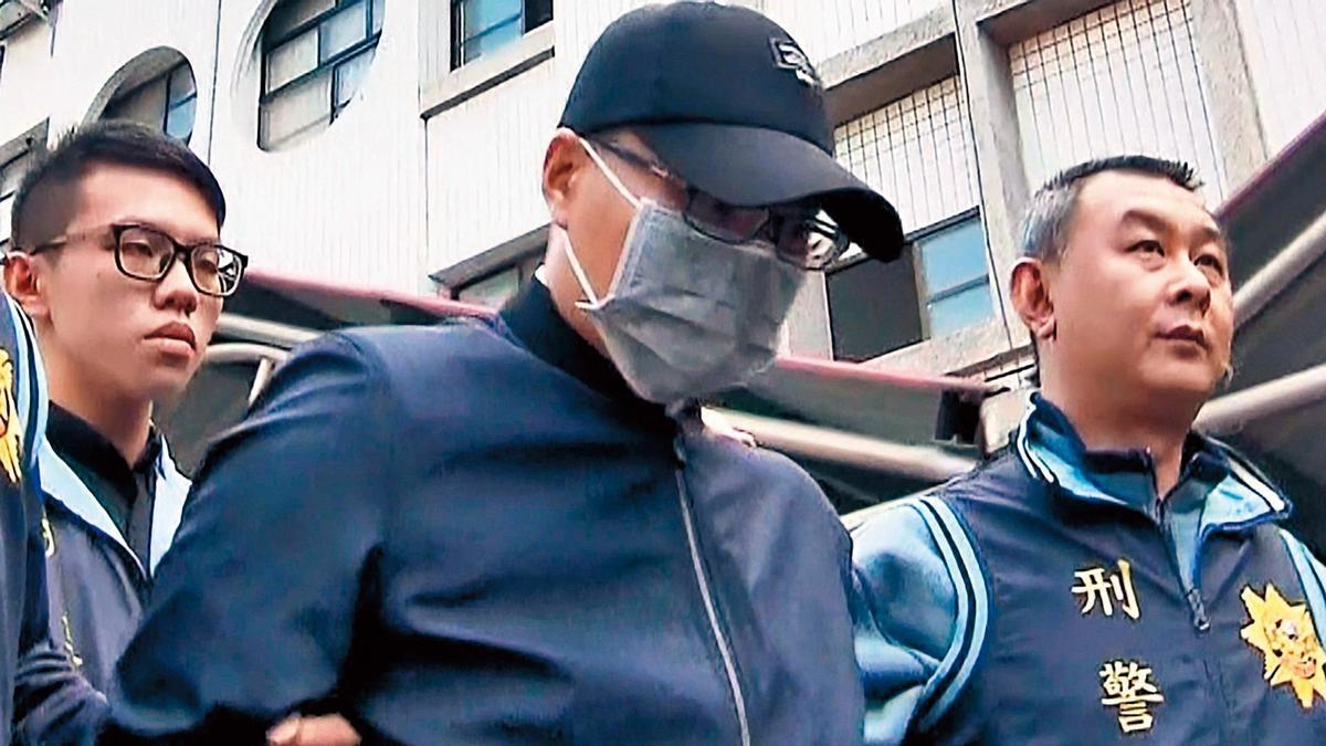 凶嫌許志明(左)在警方偵訊後,被依殺人、棄屍等罪移送檢方偵辦。(東森新聞提供)