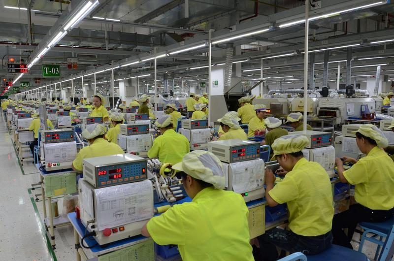 根據中經院調查,有意回台的業者約佔製造業台商的12%。(東方IC)