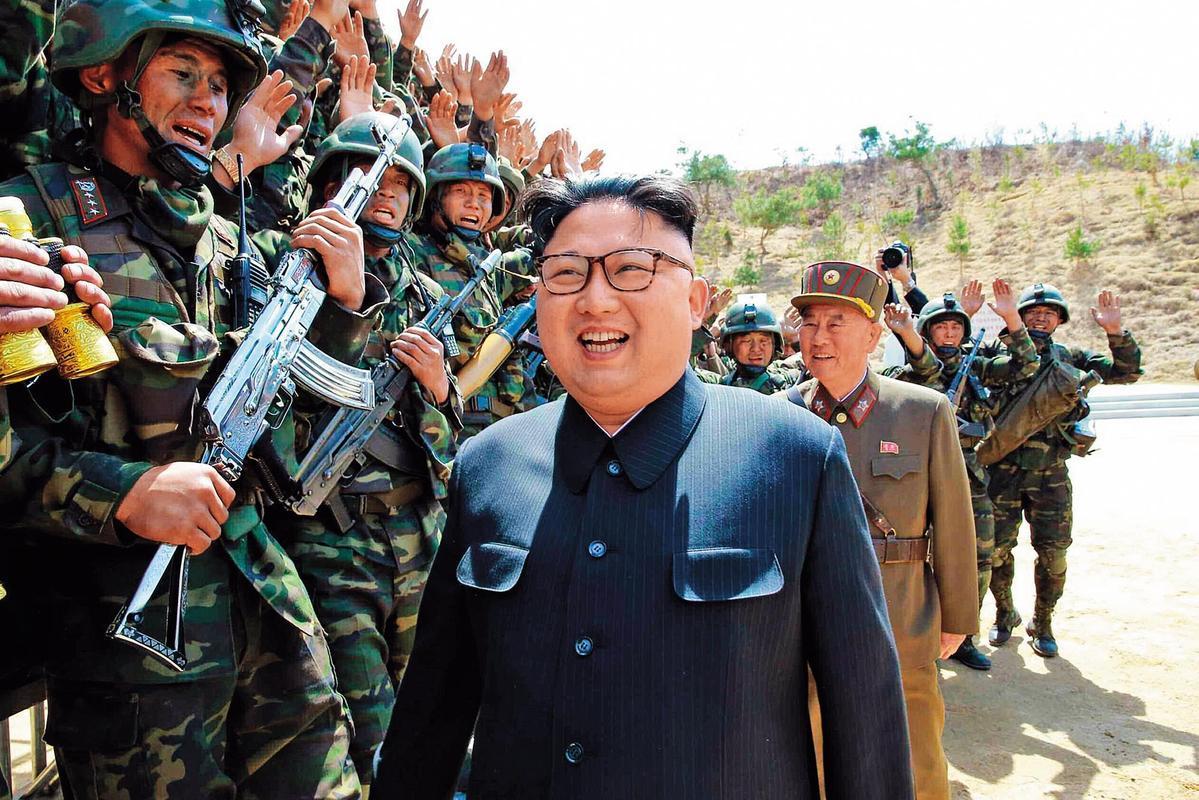 北韓領導人金正恩被視為狂人,積極發展核武及試射飛彈,不甩美國制裁。(東方IC)