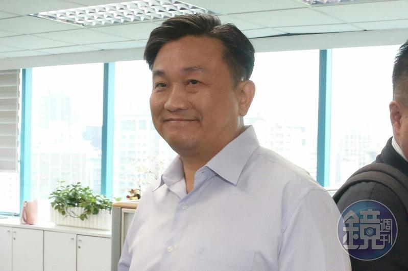 民進黨立委、中執委王定宇會前宣布他將提案要求中執會讓媒體直播採訪,讓外界不會有黑箱討論的質疑。