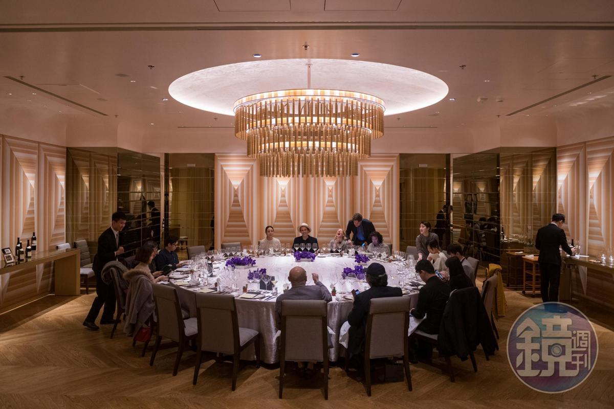萬豪酒店的宴會廳空間典雅大方。