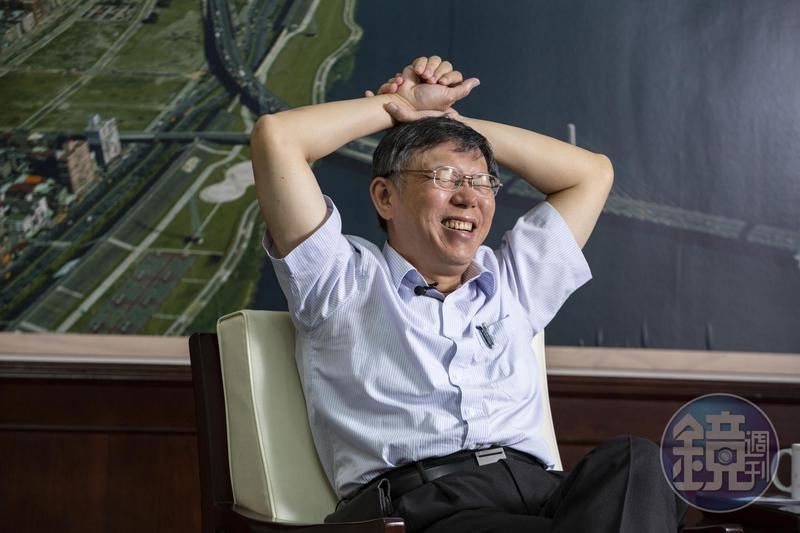 韓國瑜允諾將6月1日出席凱道誓師大會,柯文哲聞此消息笑稱,「他現在是政治100分、經濟0分。」(圖為本刊資料照)
