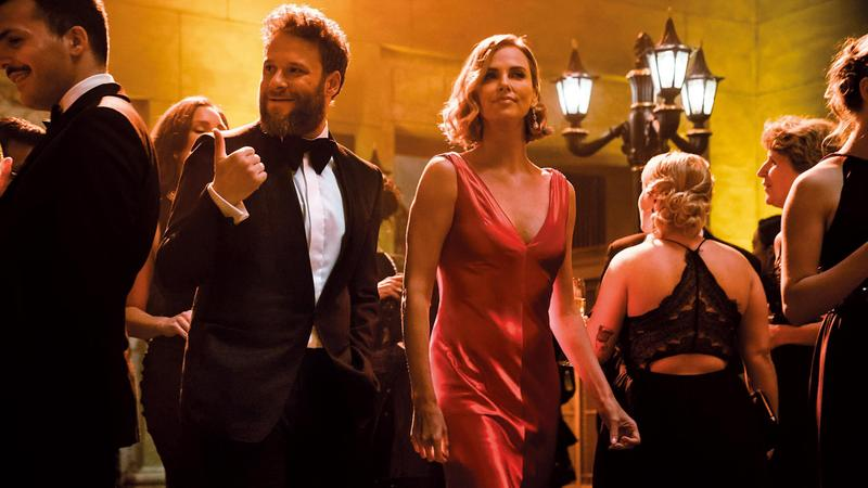 《選情尬翻天》用政治議題包裝愛情故事,莎莉賽隆強大氣場完美演繹政壇女強人,塞斯羅根可惜角色未能跳脫以往。(翻攝自imdb)
