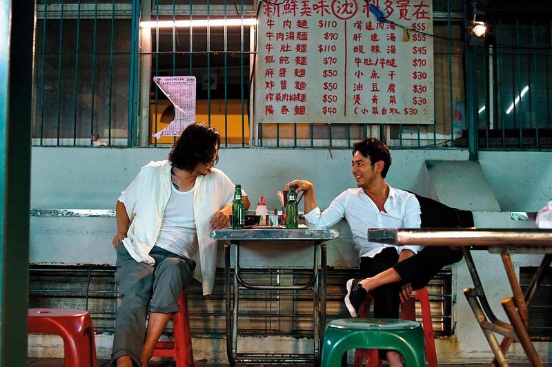 豐川悅司(左)和妻夫木聰(右)確定演出後,導演半野喜弘順利取得資金,在台灣拍攝。(威視電影提供)
