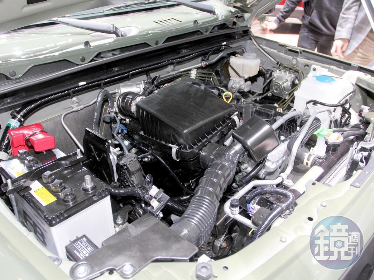 動力系統是換湯不換藥的K15B引擎與四速自排,高速公路時速100公里時轉速約3,000轉,因此省油不是她的長處。