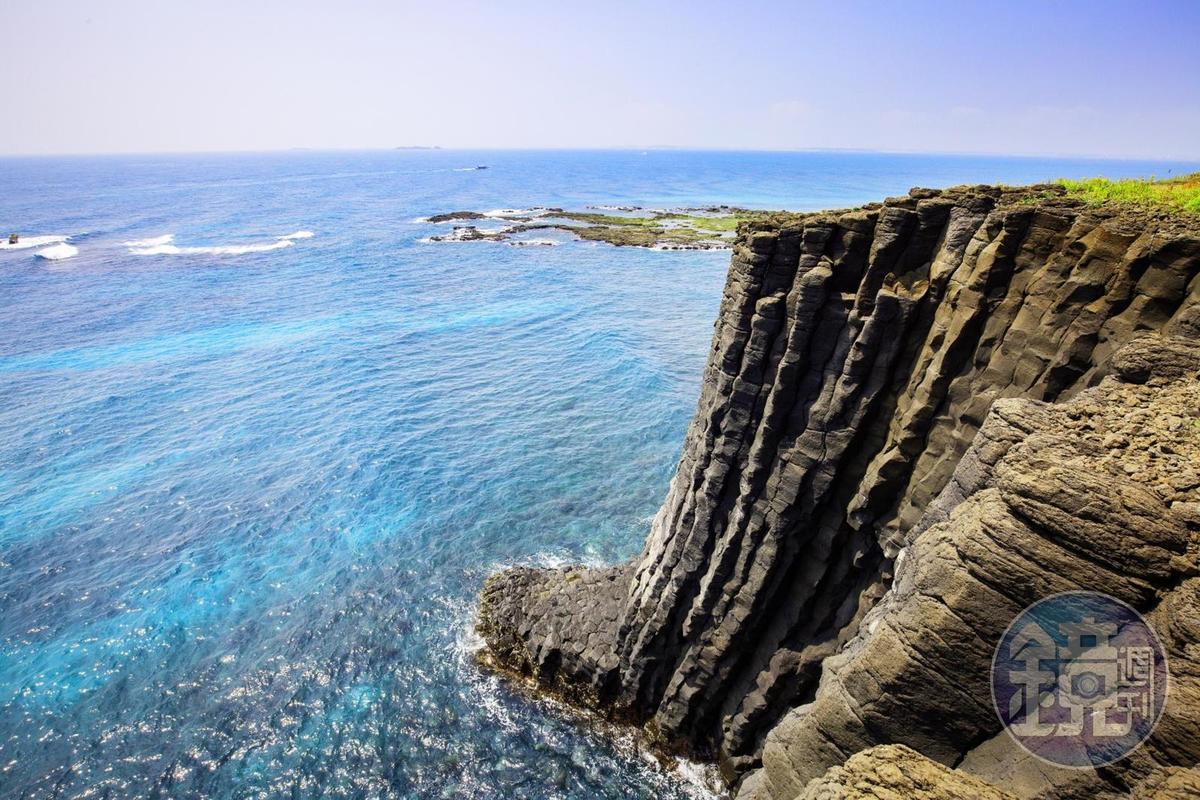 從「鳥嶼」上可以近距離觀賞玄武岩。