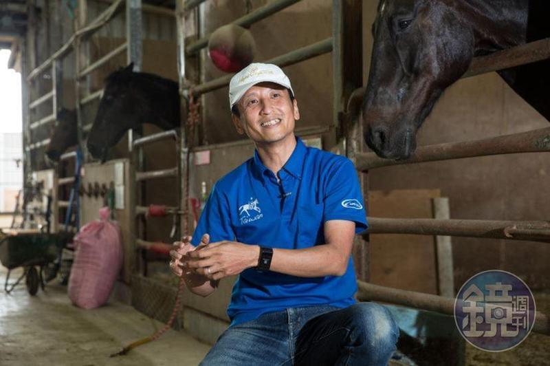 台灣馬術治療中心的總教練張兆遠2003年曾帶領智能障礙者參加特殊奧運馬場馬術比賽,他說,那次的經驗是個里程碑,讓他覺得馬術有很多的可能性。