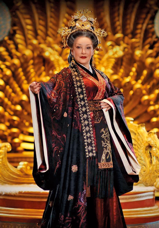 2014年時,陳莎莉以66歲高齡在《衛子夫》中扮演竇太后,演藝事業再衝上高峰。(中天提供)