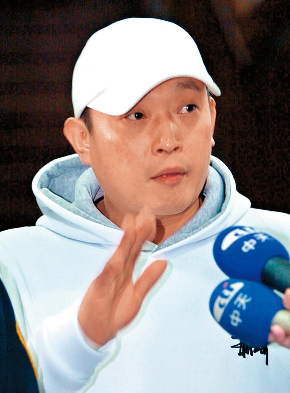 澎恰恰當年委託歌手郭桂彬代為出面協調光碟案,最後郭也遭判刑入獄。(東方IC)