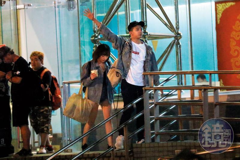 去年8月14日本刊曾直擊孫生和一名短髮妹出遊,看來現在身邊已換人。