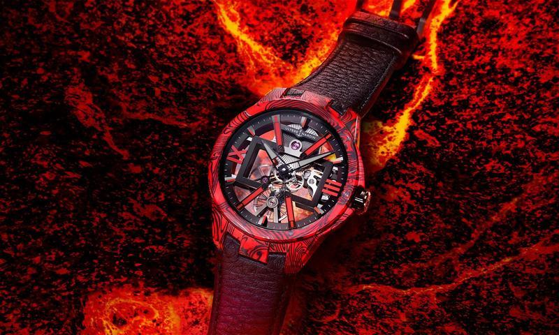 雅典錶全新鏤空X岩漿腕錶結合超輕碳纖維材質與紅色大理石紋環氧樹脂,搶眼的配色與視覺效果讓人印象深刻。