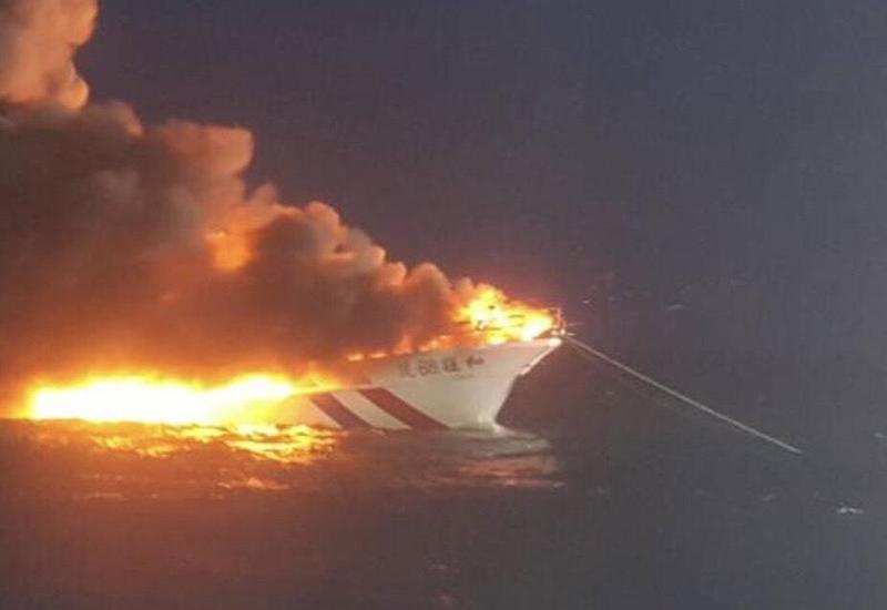 深澳籍海釣船載釣客至彭佳嶼海域垂釣,卻發生火燒船意外。(民眾提供)