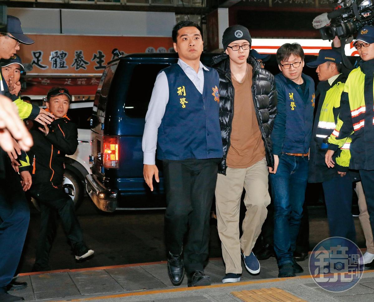 去年12月,孫安佐一抵達台灣,隨即前往士林地檢署應訊,直到深夜才返家。