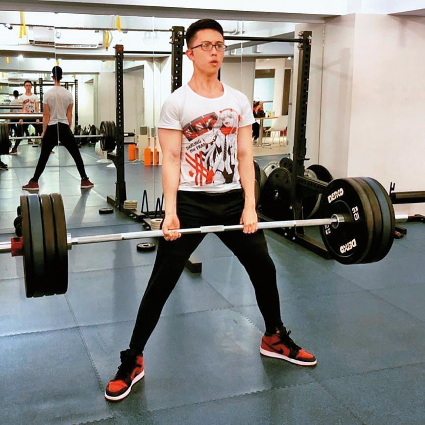 因為熱愛健身,孫安佐透過分享運動教學成為網紅,經常po出自己的健身影片。(翻攝自孫安佐IG)