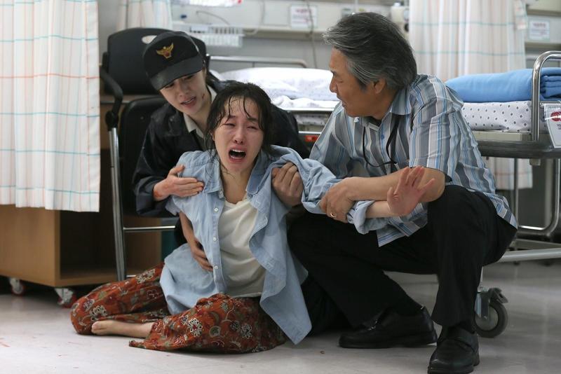 嚴智苑為拍攝《希望:為愛重生》增胖6公斤,並以幾乎素顏的狀態演出。(可樂電影提供)
