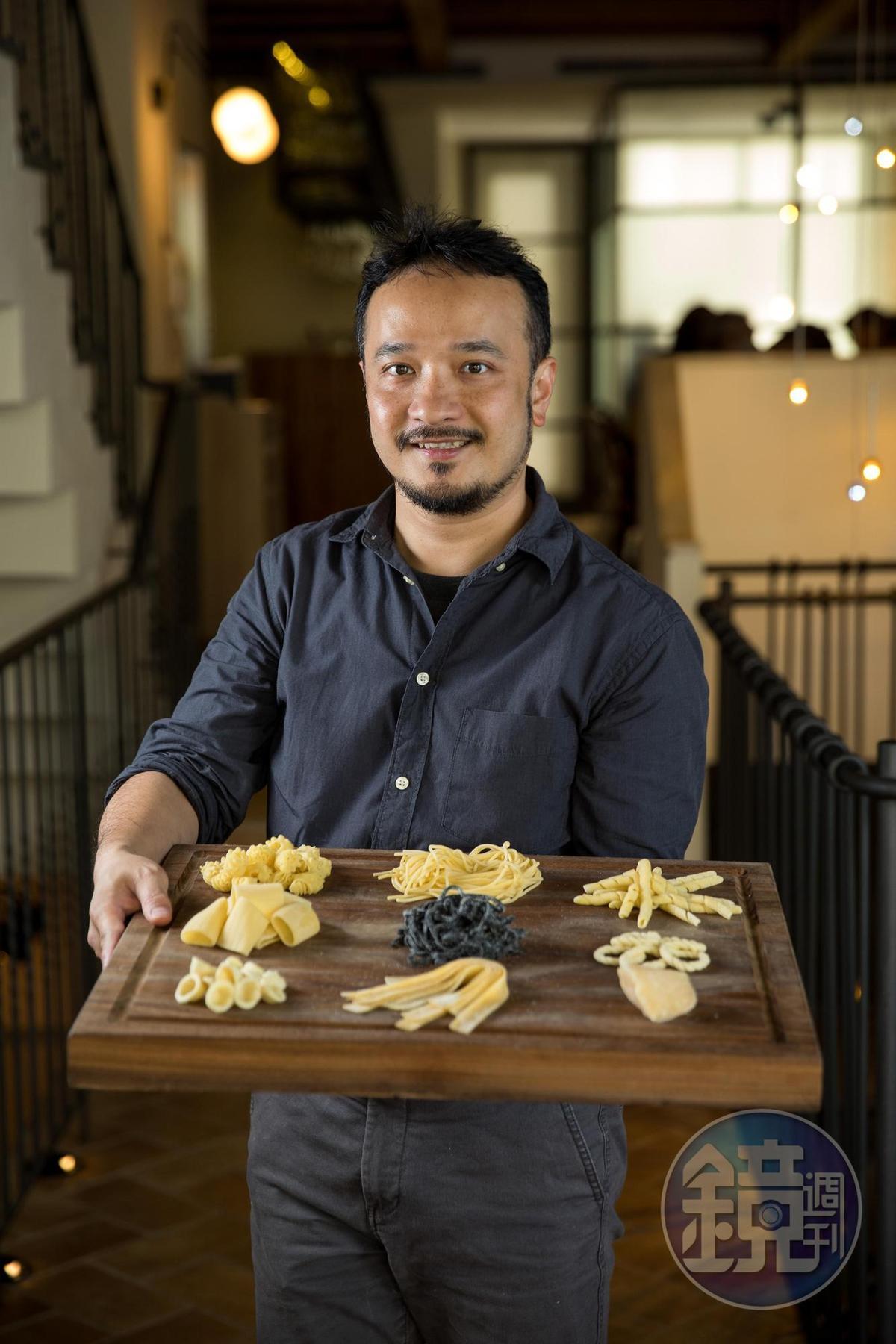 老闆兼主廚黃慶德(Boris),整個人散發著對料理的熱情。