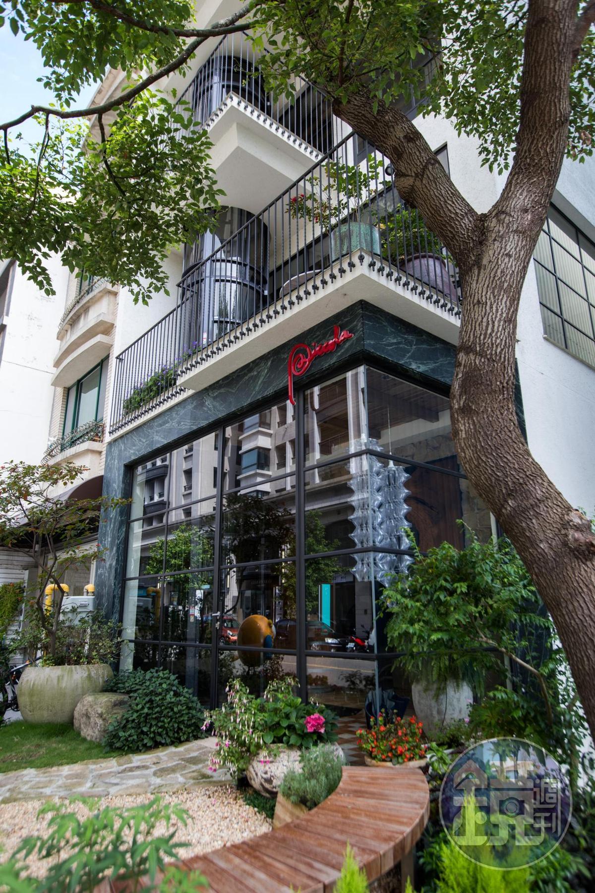 全新的「彼刻義式餐酒館」每層樓都有不同料理主題。