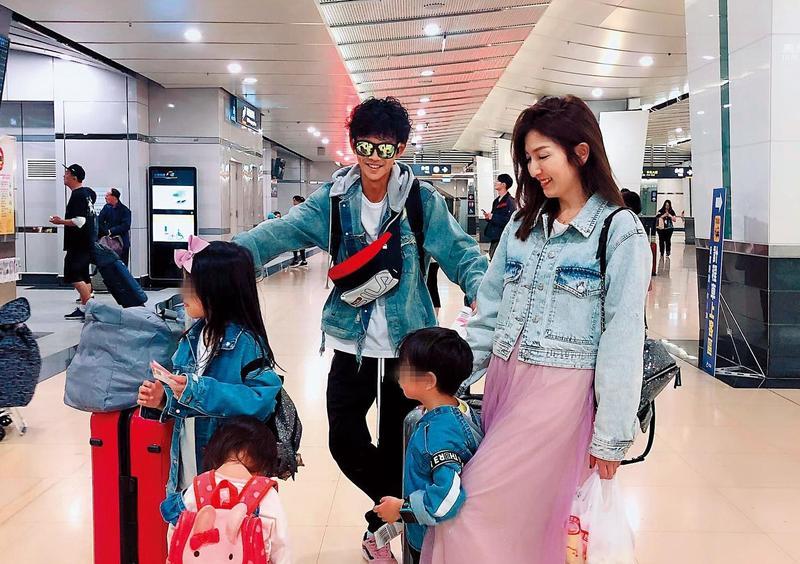 阿翔以愛家、護妻形象走跳演藝圈,而在社群網站上多半也是上傳此類天倫照片。