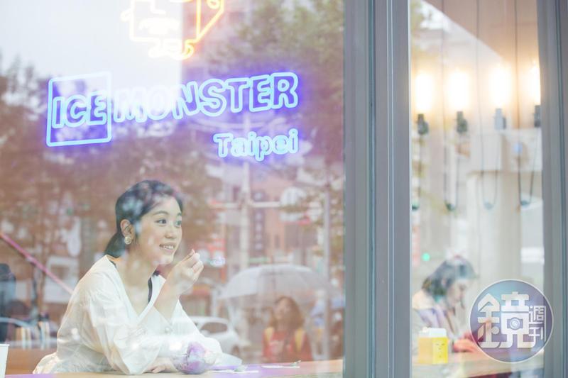 ICE MONSTER掀起全台芒果冰風潮,主打使用新鮮水果入料,深受觀光客喜愛。