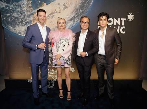 萬寶龍全球品牌大使休傑克曼(左起)、萬寶龍總裁Nicolas Baretzki、好萊塢女星黛安克魯格和男星查爾斯梅爾頓。(萬寶龍提供)