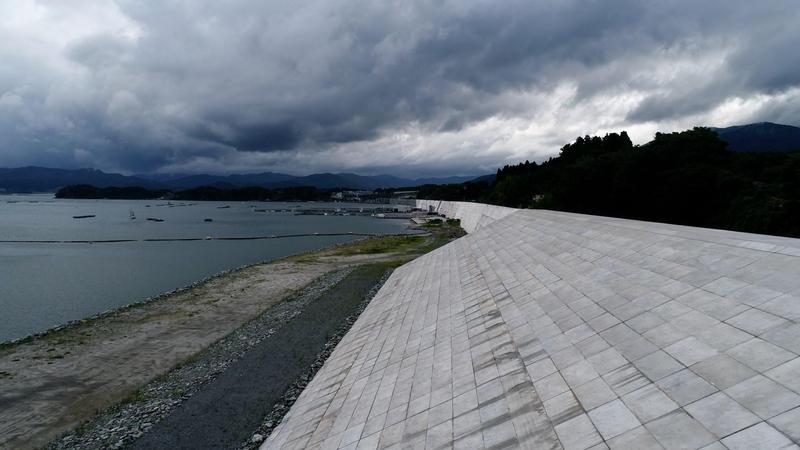 紀錄片《日本海上長城》探討日本政府興建巨型防波堤的爭議。(公視提供)