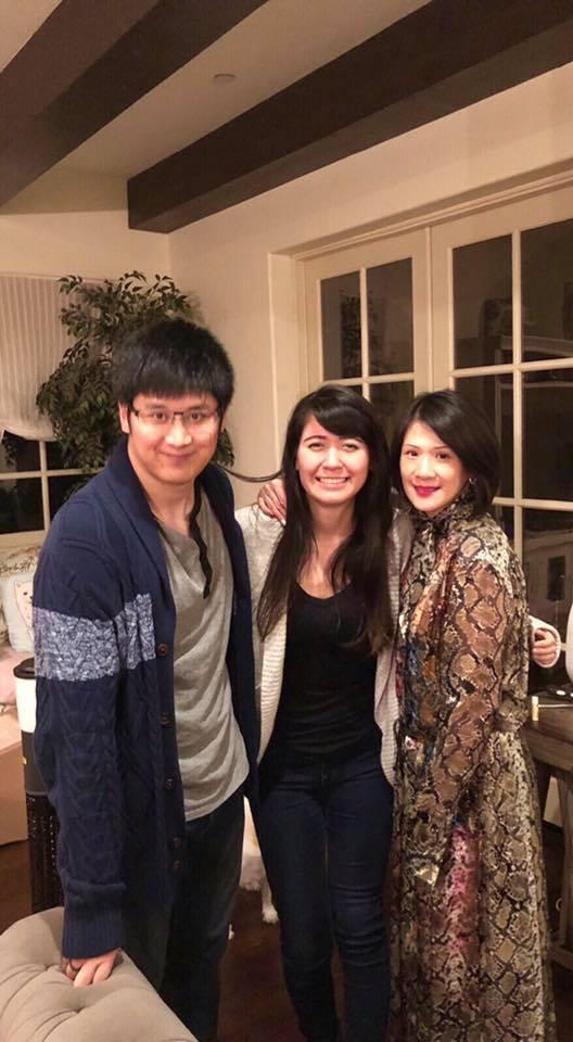 辜仲諒的長子Jeffrey和母親羅惠玲感情好,常帶女友探望羅惠玲。