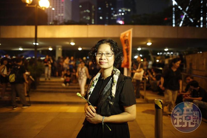 陸錦城在12日直面鎮暴警察,哀求不要傷害孩子,臉部中了辣椒水。