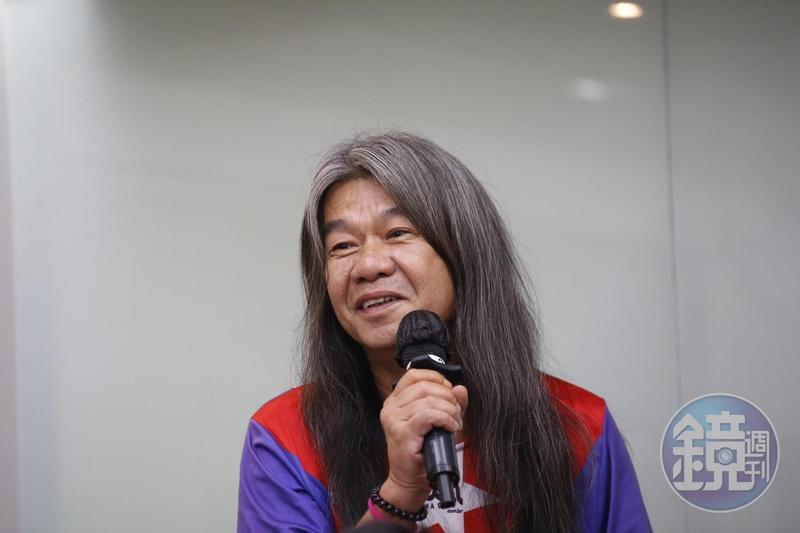 綽號「長毛」的香港社運人士梁國雄直言「虎毒不食子」,奉勸特首不要流下鱷魚的眼淚。