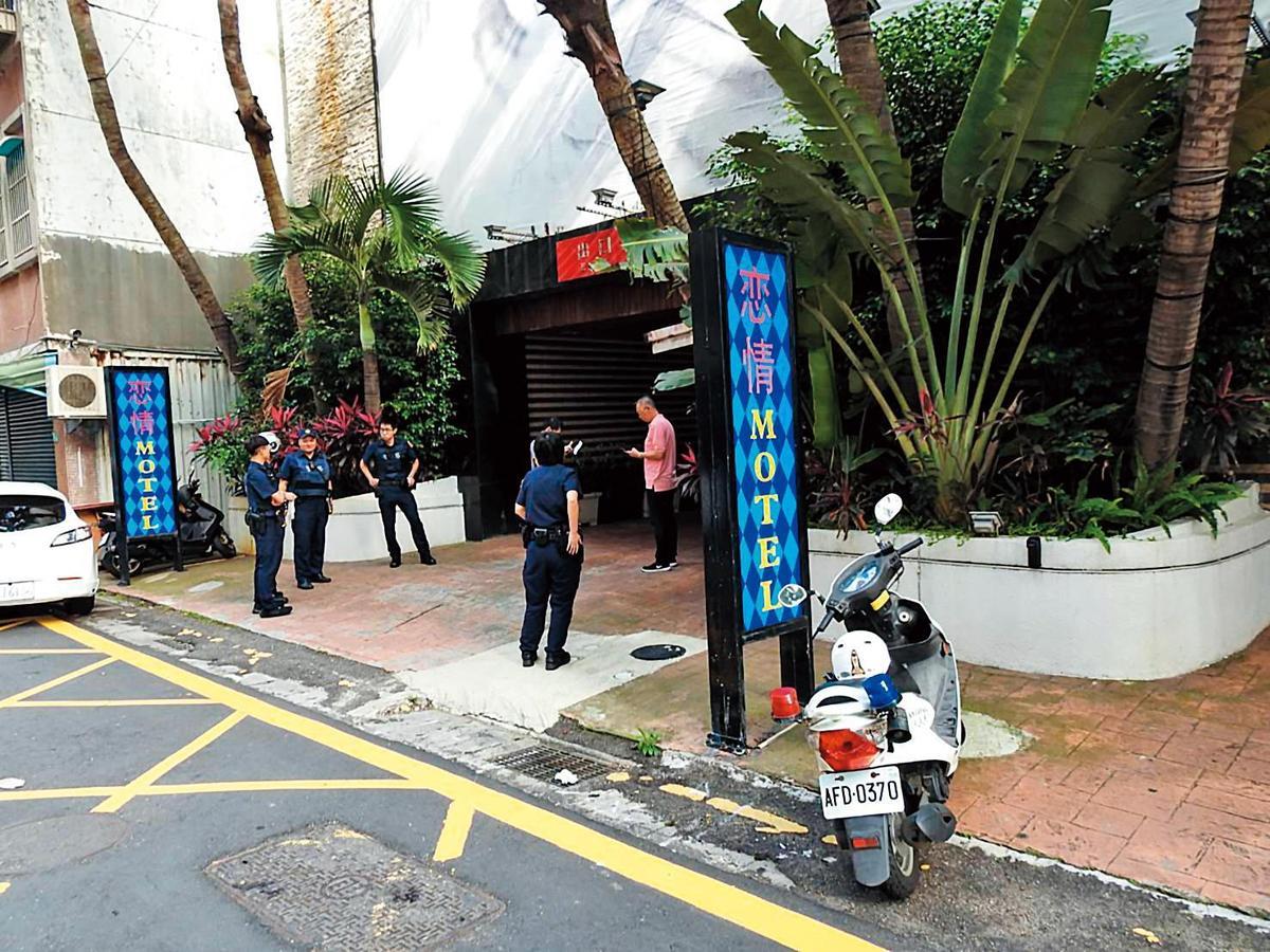 因不堪綽號「胖子」的同幫成員扯後腿,林佑儒上月26日至圖中的摩鐵,向在內開趴的胖子等人開槍示威。(翻攝畫面)