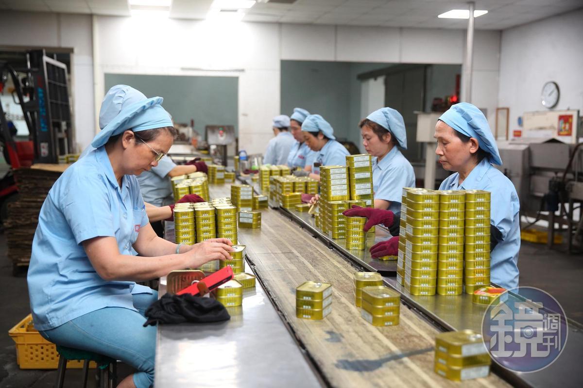 東和食品成立邁入54年,歷經2度轉型,不少資深員工陪著公司一起成長。