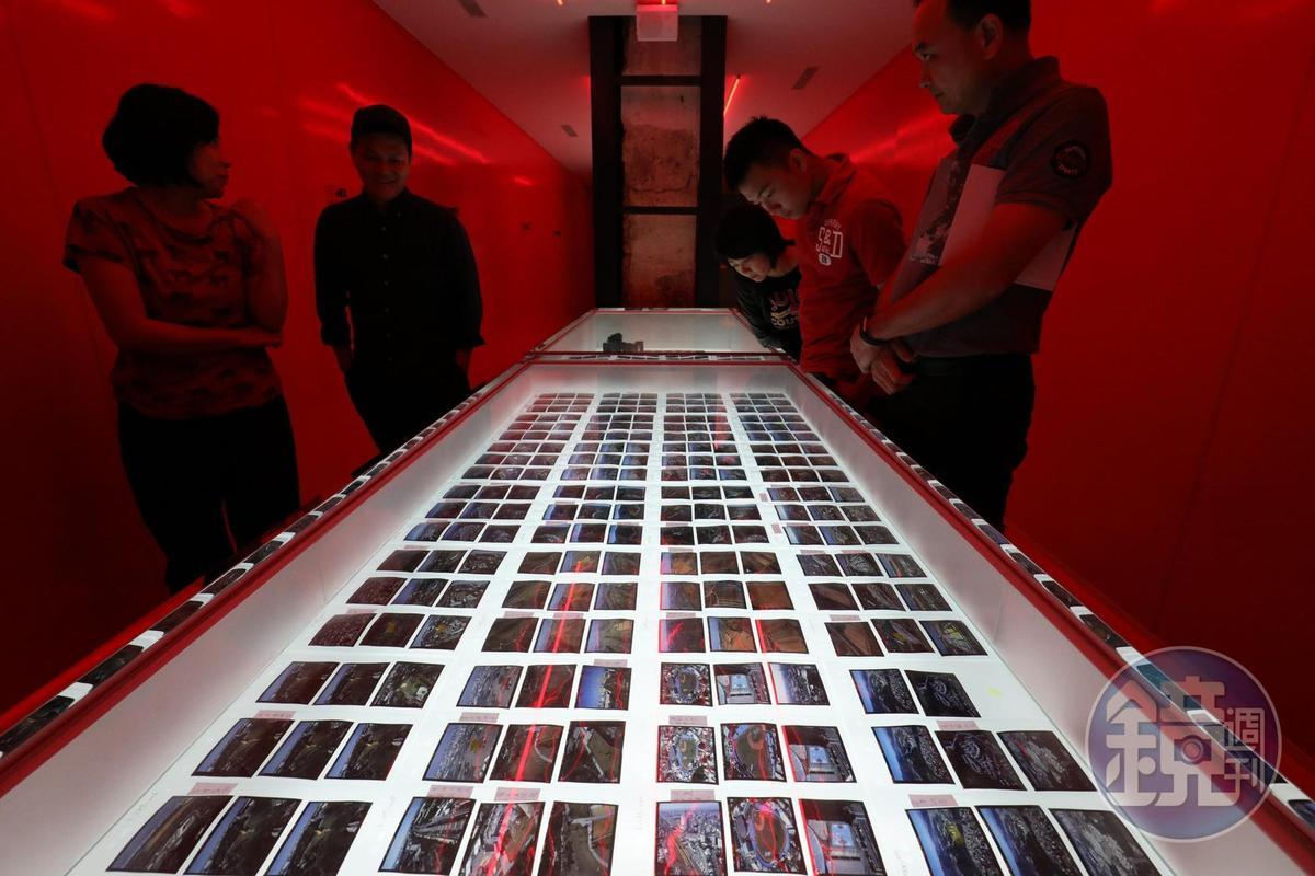 齊柏林25年攝影生涯中拍了近30萬張空拍照片。