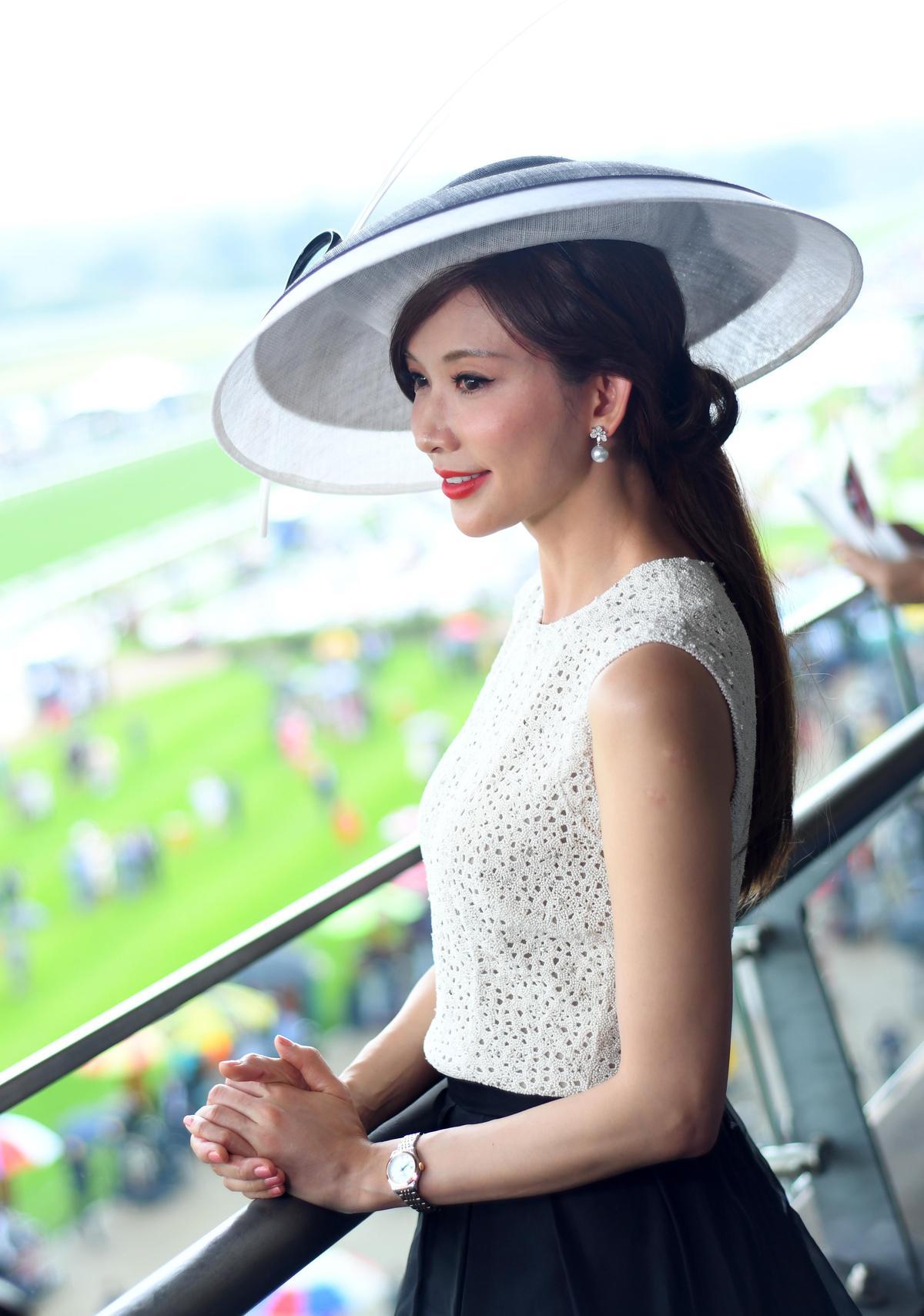 活動中,林志玲總帶著甜蜜的微笑面對鏡頭。(浪琴表提供)