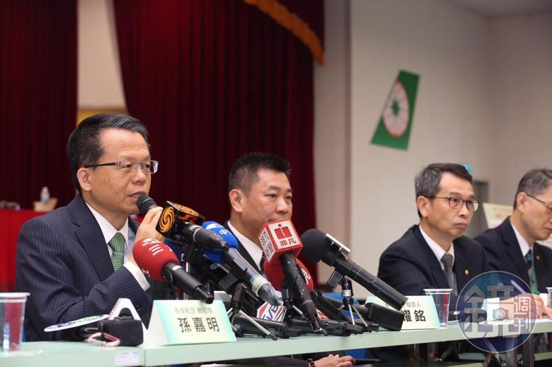 面對工會發動突襲式罷工,長榮總經理孫嘉明彷彿吃了秤砣,不再退讓。