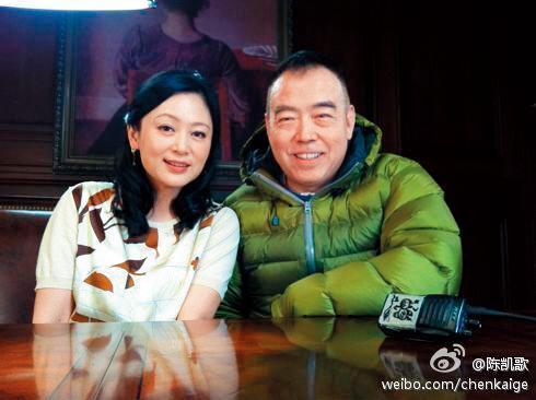 陳赫出道後被曝光陳凱歌是他表叔,而且遭疑是「靠叔」才進娛樂圈,但他表示到高中時才知兩人有親戚關係。(右,翻攝陳凱歌微博)