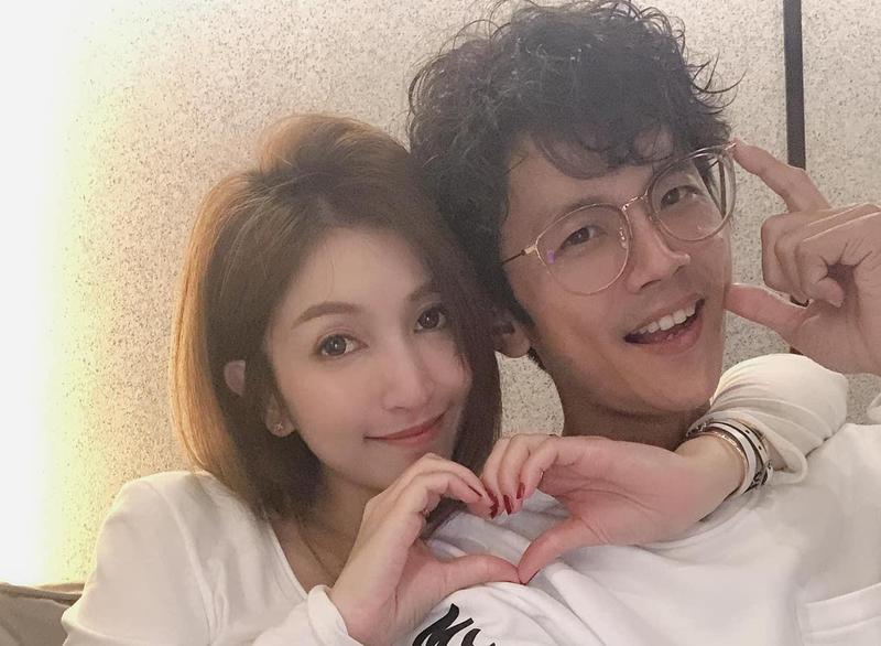 阿翔與老婆Grace過去的甜蜜合影如今看了令人唏噓。(翻攝自Grace臉書)