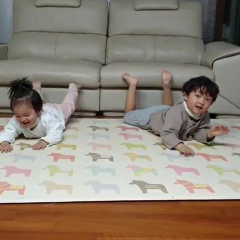 宋仲基的兩個姪子非常活潑可愛。(翻攝自宋哥哥IG)