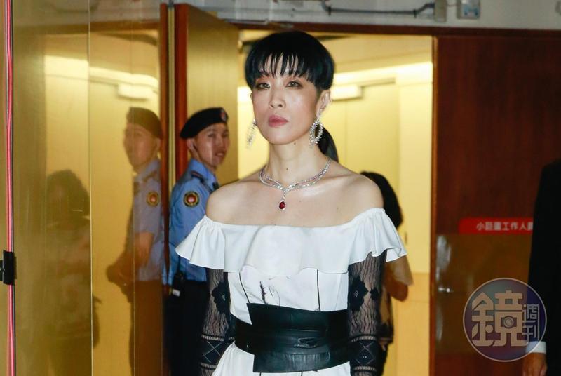 金曲30上週六圓滿落幕,本屆評審團主席陳珊妮卻遭到網友不堪的言語批評。