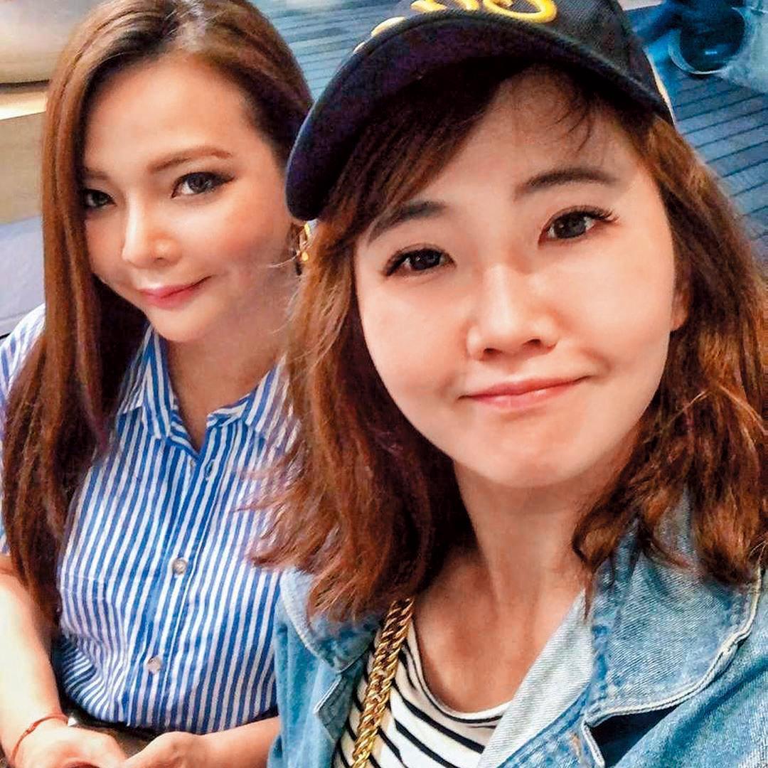 謝忻(右)在演藝圈往來的人不少,例如小甜甜,但小甜甜事後發說「真正的朋友不會讓你丟臉。」(翻攝自謝忻IG)