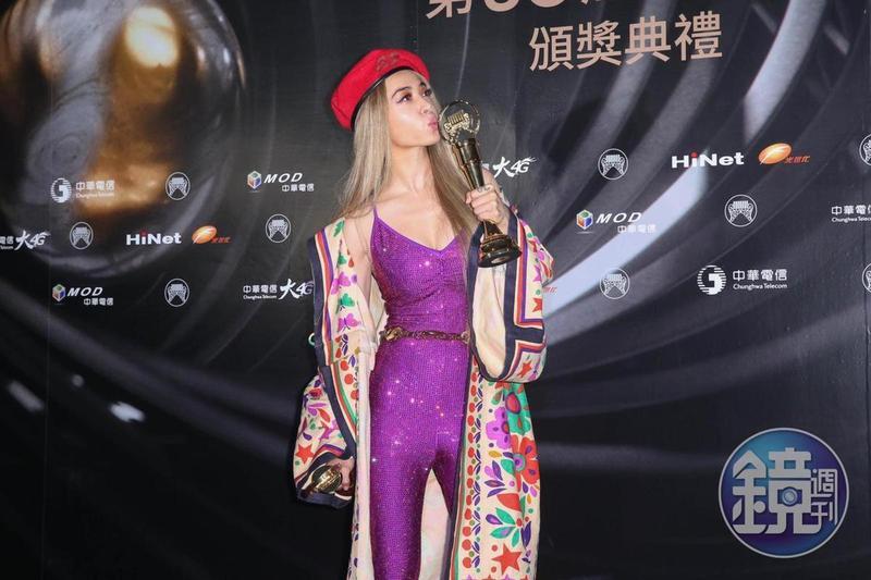 蔡依林贏得最佳年度歌曲與年度專輯獎,是今年金曲獎最大贏家。