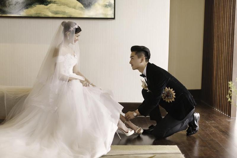 現年36歲的陳妍希和陳曉是差4歲的姐弟戀,兩人於2016年結婚,並於當年底生下兒子「小星星」。(翻攝自陳妍希臉書)
