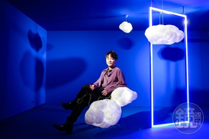 吳青峰推出新單曲〈巴別塔慶典〉,同時展開為期5天的《巴別塔慶典概念展》。