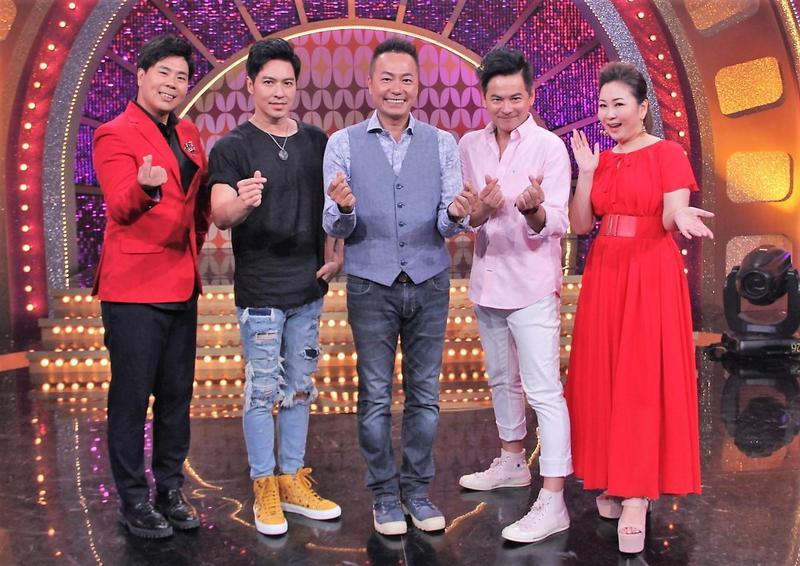王海輪(左二起)、張克帆與馬國賢日前上《MUCH金點秀》大聊當年走紅過往。(年代提供)