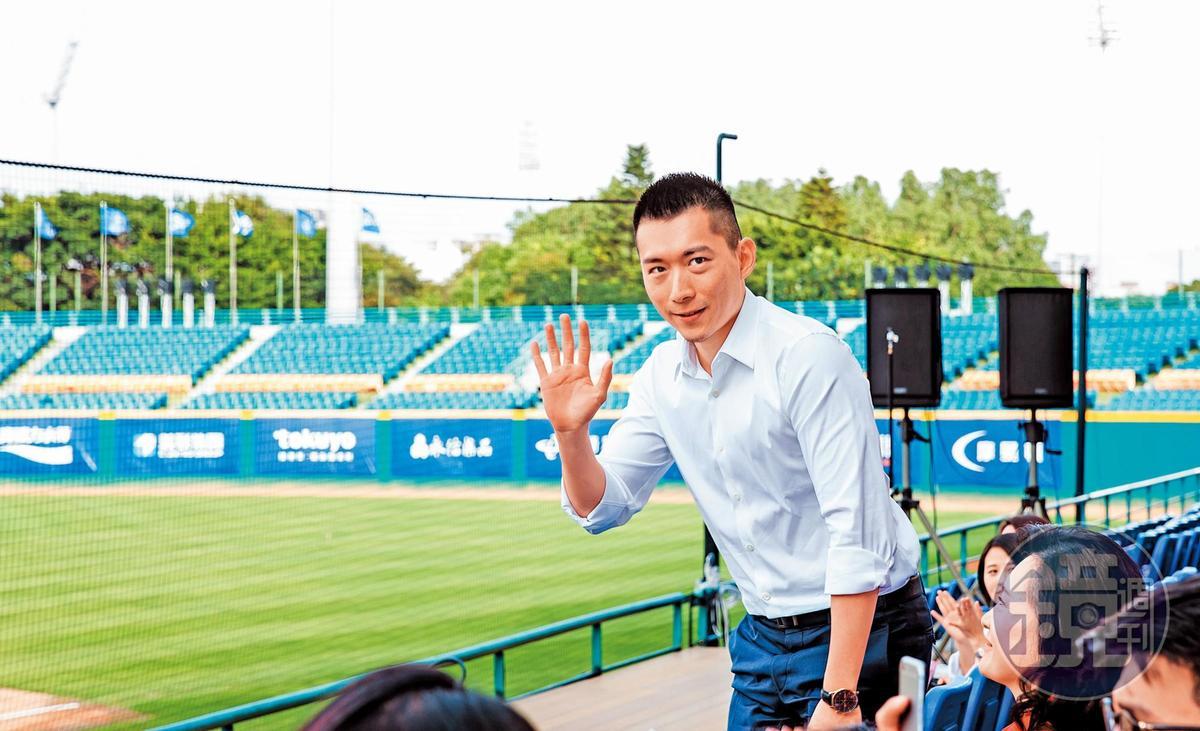 蔡承儒操盤買下棒球隊富邦悍將,盼讓球迷變富邦的潛在客戶。