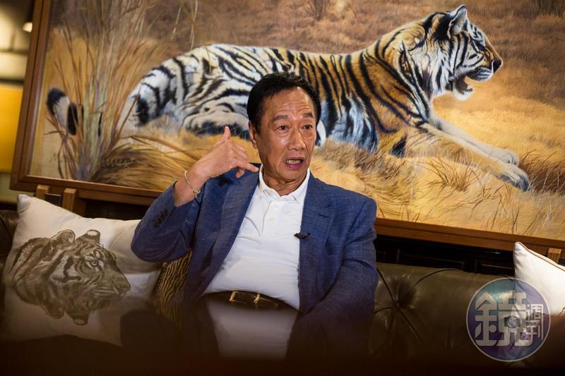 談起居中牽線Lamigo轉賣5.88億,只差臨門一腳,郭台銘表示,簽意向書前Lamigo接到「政治力」電話,交易才會破局。