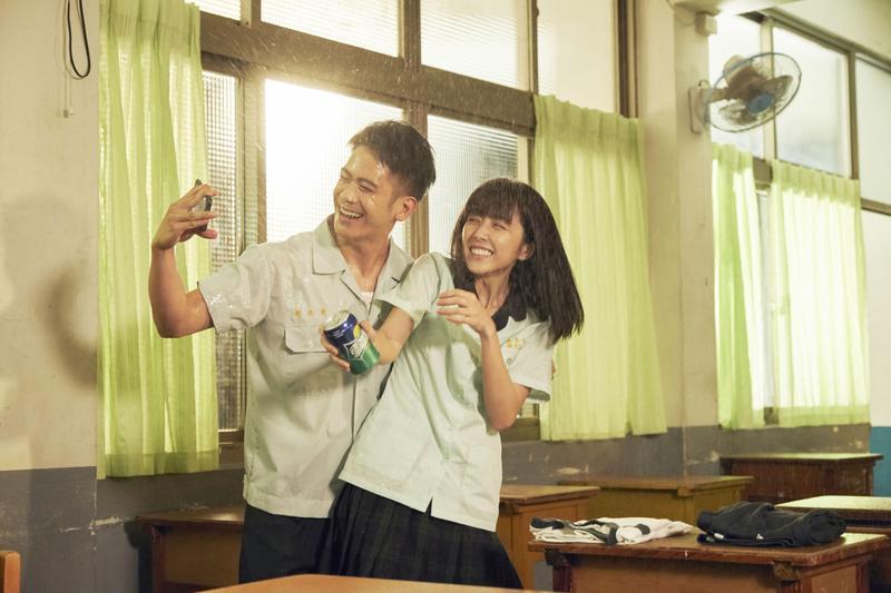 李淳與邵雨薇在新作中談戀愛,兩個殺人魔第一次碰面時,就覺得這組合很爆笑。(威視提供)