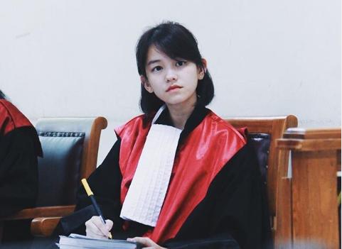 Leanna Leonardo去年在社群媒體曬校內實習法庭的照片,最近在網路上爆紅。(翻攝Instagram)