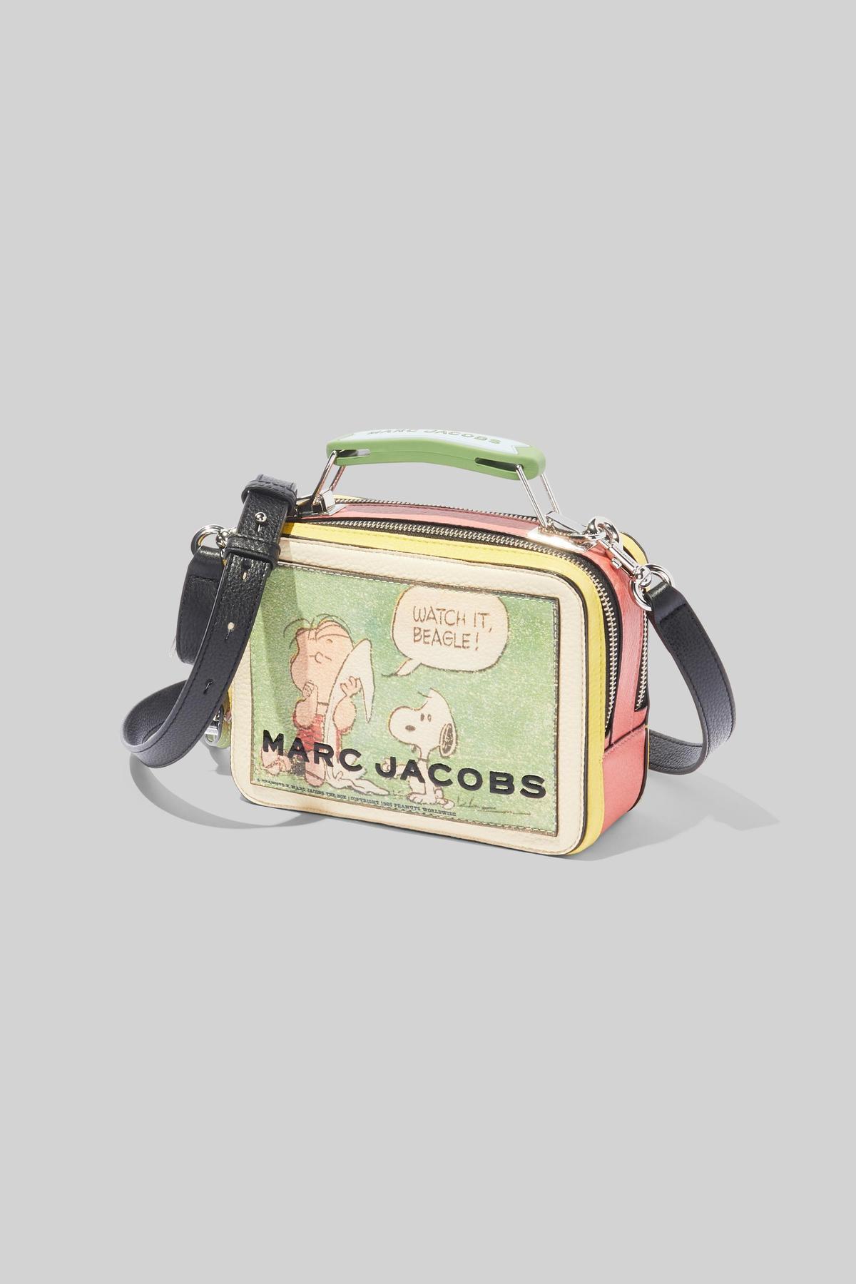 TheMarcJacobs x ThePeanuts漫畫圖案包款。NT$23,900(俊思提供)