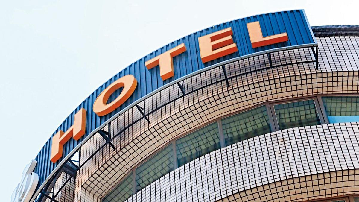 少女小珍被發現與6男開房間後,暴斃在台中一家旅館。(東森新聞提供)