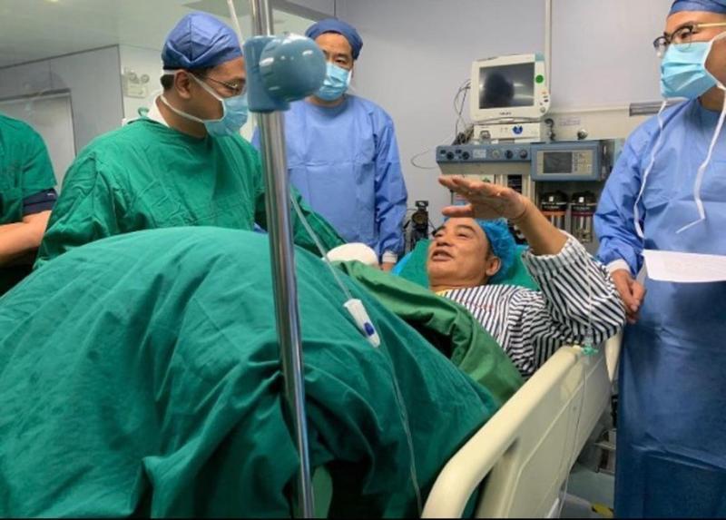 任達華手術成功,內臟已經縫補成功。(網友提供)
